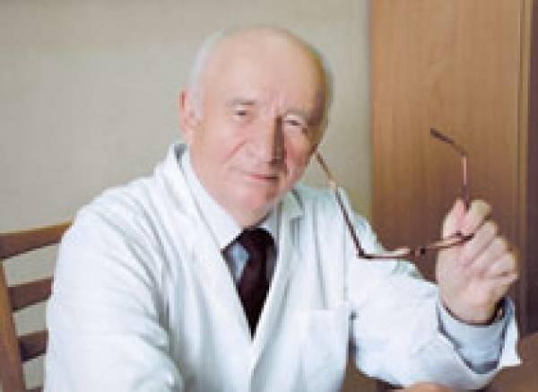 Больше полувека Сергей Владимирович служит людям: такой человек защищает их здоровье.