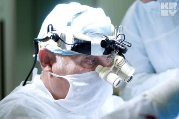 Нейрохирург Арнольд Смеянович: Я делаю любые операции. И аневризмы, и опухоли головного и спинного мозга, и грыжи