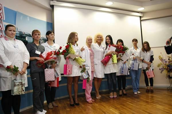 В 10-й поликлинике Минске приступили к работе по распределению в 2014 году: пять участковых терапевтов, два хирурга (из них один детский), врач-травматолог, врач акушер-гинеколог, врач-рентгенолог