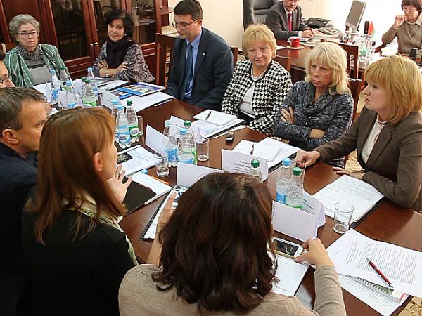 Проблемы и перспективы лечения бронхиальной астмы обсуждали 8 октября ведущие специалисты здравоохранения в рамках традиционного «круглого стола» в редакции журнала «Здравоохранение» Минздрава Беларуси.
