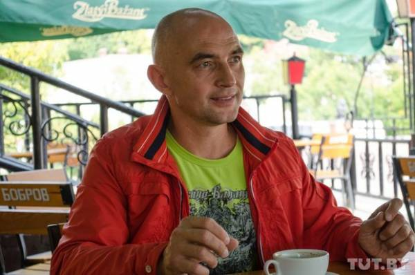 Китаец защитил кандидатскую по спортивной медицине в Минске, теперь получает - 3 тысячи долларов за лекции в Китае, живет в 4-комнатной квартире на берегу океана