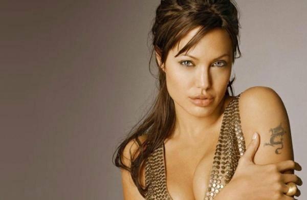 Анджелина Джоли удалила грудь для профилактики рака,  узнав, что у нее есть ген BRCA1. А можно ли провести такой анализ белоруске?
