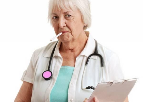 Белорусские врачи признались, почему курят