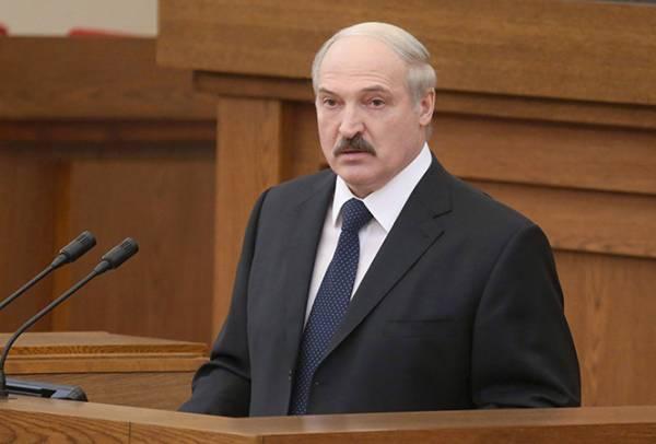 Александр Лукашенко во время Послания белорусскому народу 22 апреля