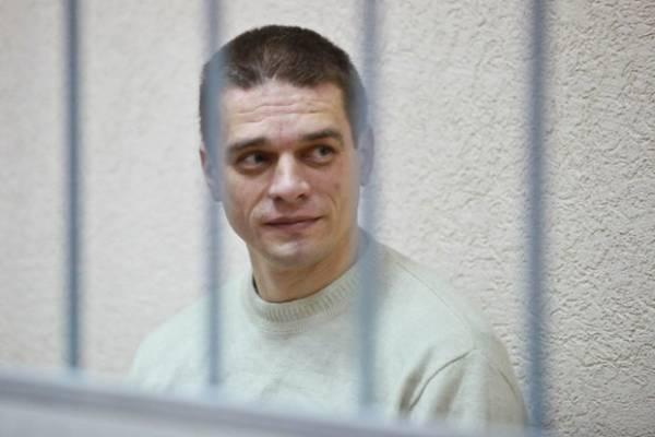 """Экс-гендиректору """"Борисовдрева"""", который находится под следствием, удалили грыжу позвоночника"""
