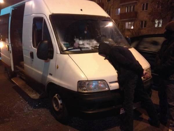 В Минске задержали водителя маршрутки, стоящего на  учете в наркологическом диспансере: он продавал наркотики прямо в салоне