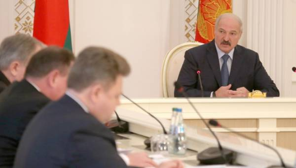 Население Беларуси должно быть обеспечено доступными и качественными отечественными лекарствами. Об этом 20 февраля заявил Президент Беларуси Александр Лукашенко на совещании о состоянии и перспективах развития белорусской фармацевтической промышленности