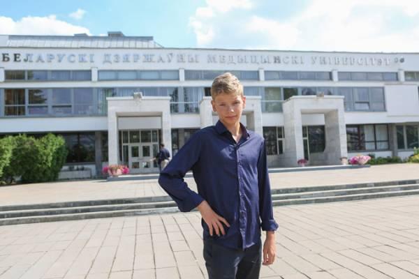 В медицинском университете появился необычный первокурсник: на лекции вместе со вчерашними школьниками ходит 12-летний Тимур Сушко.