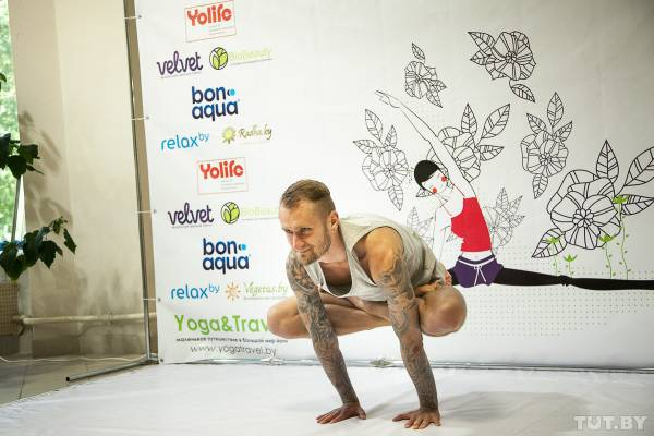 Йога в Минске. Фестиваль йоги прошел в Минске с 16 по 21 июня 2014 года. Фоторепортаж