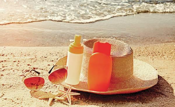 Как правильно выбрать солнцезащитный крем: советы дерматолога Жуковской