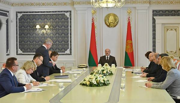 """95 уголовных дел по """"делу медиков"""". Лукашенко: Хамство со стороны врачей повальное"""