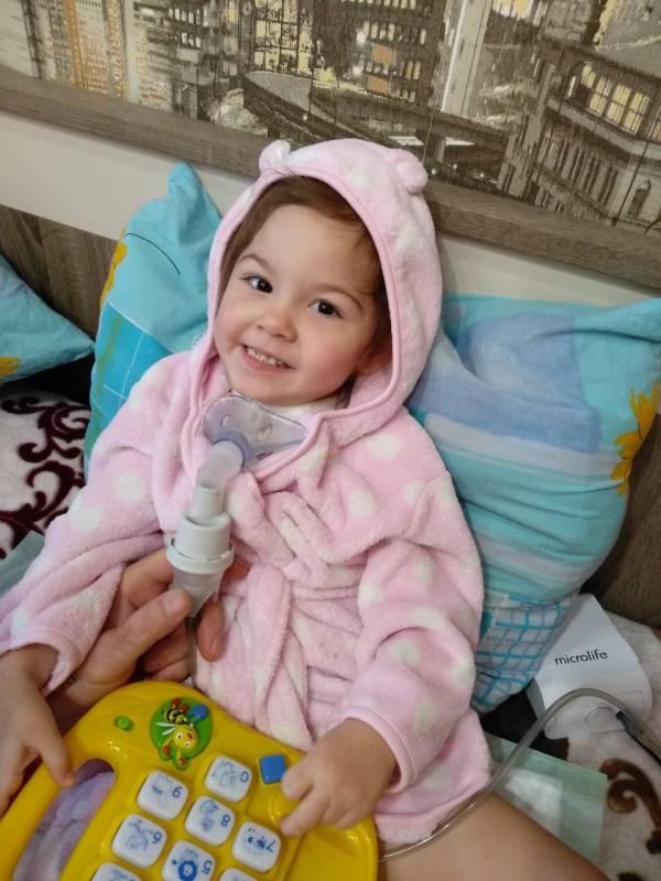 Саше Врублевской очень нужна Ваша помощь: малышка не может говорить, глотать и дышать самостоятельно