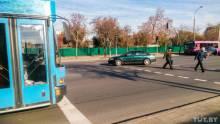 Тот злополучный переход, где Сергея утром 20 октября 2011 года сбила BMW, а вечером того же дня семейная пара попала под колеса другого автомобиля. Около двух лет назад здесь установили светофор