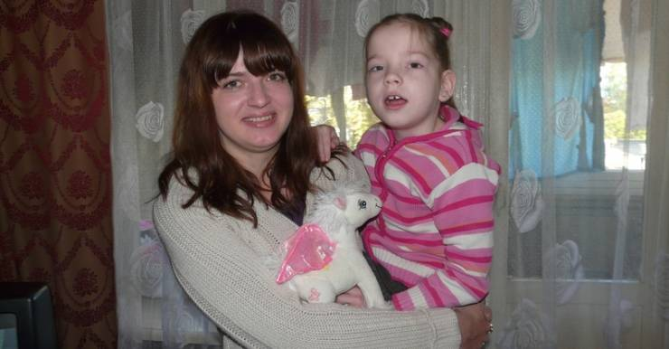 У 7-летней бобруйчанки  —  диагноз ДЦП 3 степени, приобретенный ДЦП синдром.