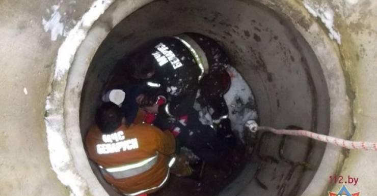 В Минске семилетняя девочка провалилась в колодец ливневой канализации