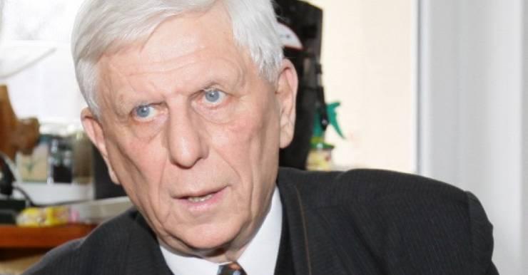 Экс-министр здравоохранения Литвы Константинас Ромуальдас Добровольскис о руководстве частной клиникой в 75 лет и об эмиграции молодых врачей из Литвы