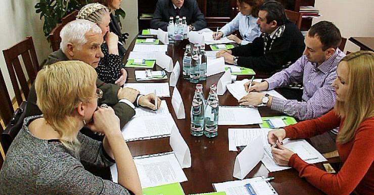 «В Беларуси называют фитотерапией заваривание чая. Это - подмена понятий!». В Минске прошел круглый стол по проблемам белорусской фитотерапии с участием ведущих специалистов здравоохранения