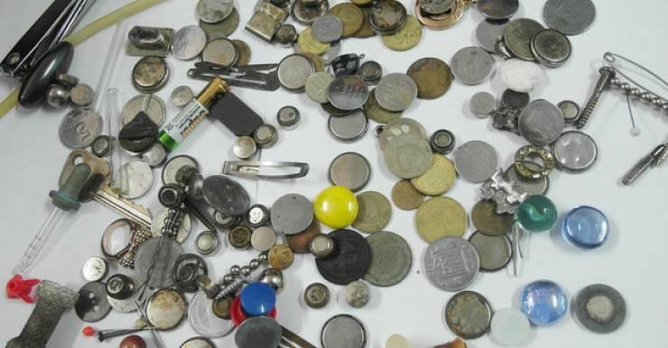 «Мини-музей» от детских хирургов. Все эти предметы проглатывали дети.