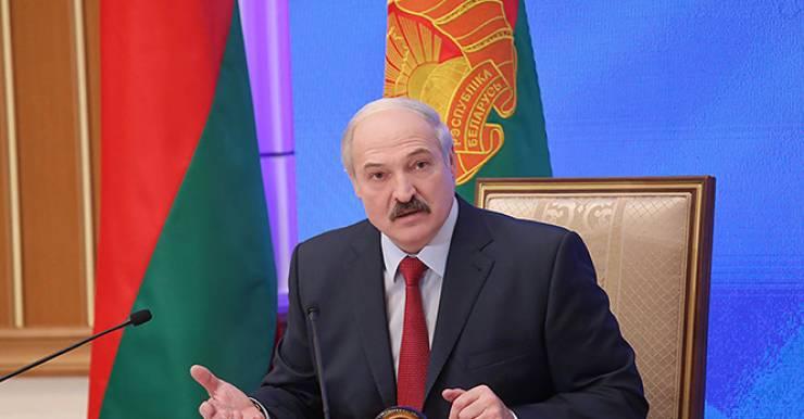 """Президент объяснил причины строительства нового  """"президентского"""" медцентра"""