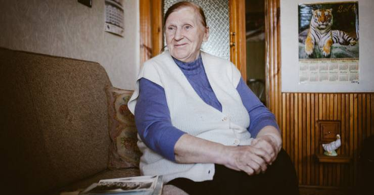 Медсестра 1 поликлиники Минска Аида Черепко в возрасте 77 лет продолжает ходить пешком на визиты