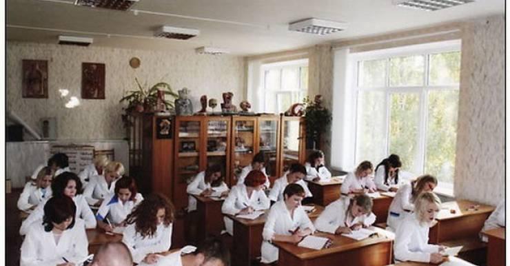 Занятия по анатомии. Фото: сайт Гомельского государственного медицинского колледжа