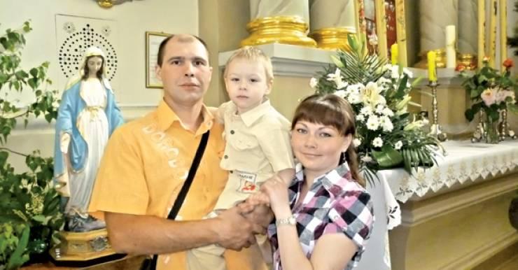 Юлия Кликс с сыном Ваней и мужем Эдуардом.