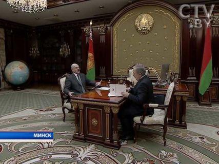 Лукашенко считает, что Минздрав не должен бояться признать, если с принятием решения о новом порядке отпуска лекарственных средств в аптеках была совершена ошибка